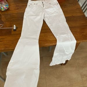 Free people ultra flare white jeans size 26